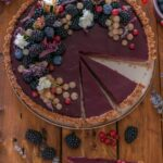 How to make a vegan tart with blackberries